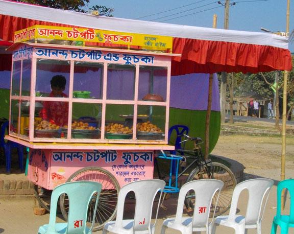 Fuchka stand in Dhaka - courtesy Faizul Latif Chowdhury